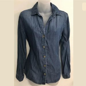 Cloth and Stone tencel button down shirt chambray